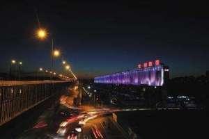 北京朝阳区景观进入4柱面镜.0时代 注重与人的互动柱面镜